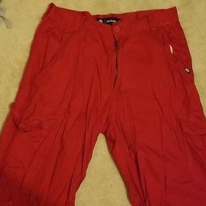 Red akademiks shorts